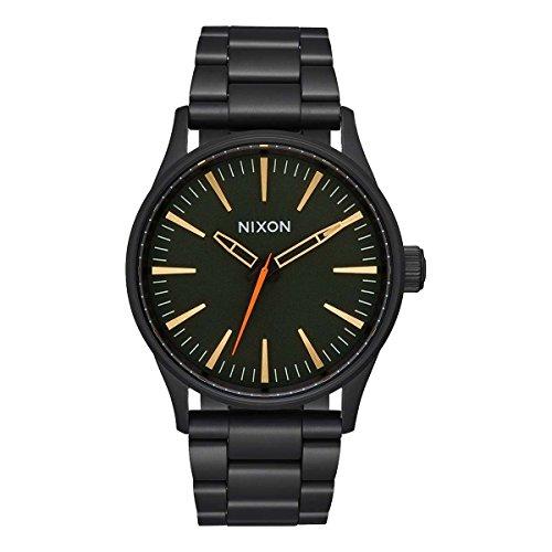 Nixon Herren Analog Quarz Uhr mit Edelstahl beschichtet Armband A4501032-00