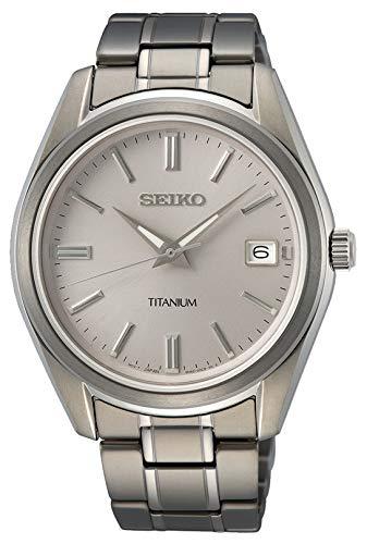Seiko Herren Analog Quarz Uhr mit Metall Armband SUR369P1