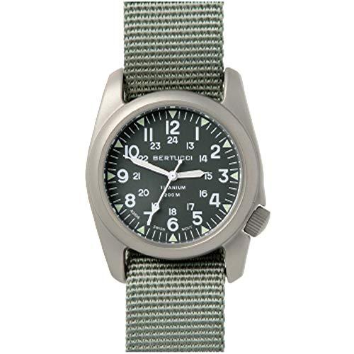 Bertucci 12030 Herren Grün Titan Band Dunkelgrün Analog Quarz Zifferblatt Uhr
