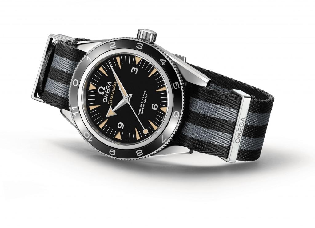 The_OMEGA_Seamaster_300_Bond_233.32.41.21.01.001_white_background_2