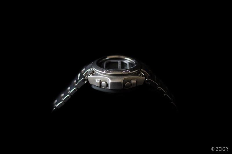 Casio G-Shock MR-G Edelstahl - Seitenansicht
