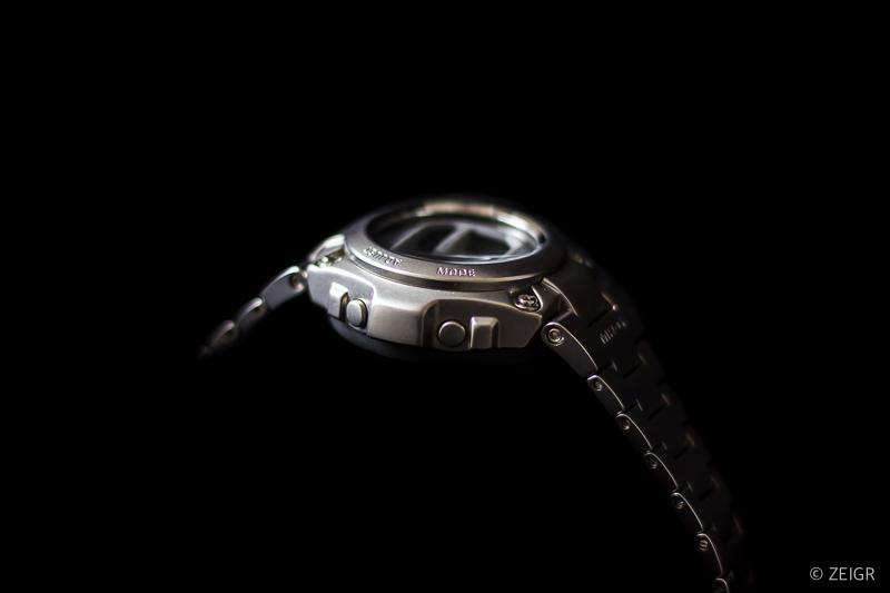 Casio G-Shock MR-G Stahl - Seitenansicht