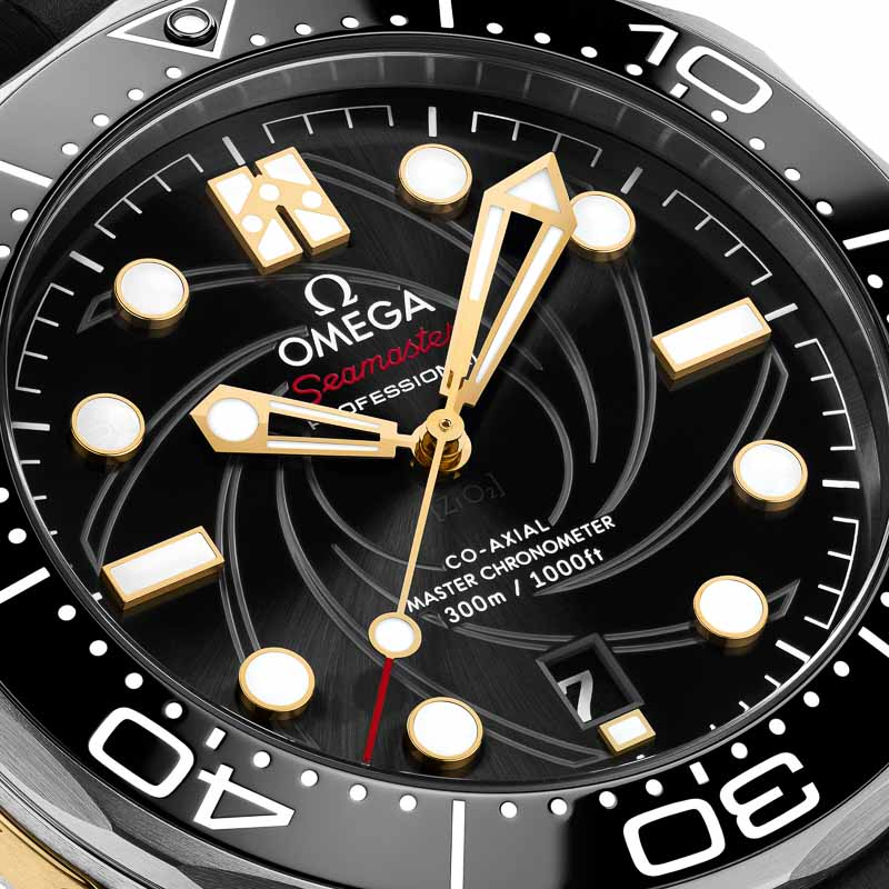 OMEGA__SeamasterDiver_BondLE_210.22.42.20.01.004_close-up dial-2