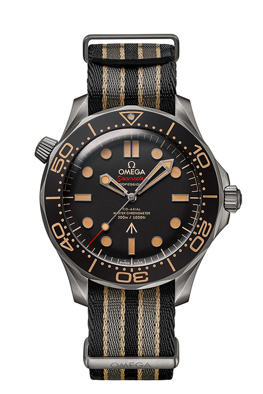 Am NATO-Band: James Bonds Omega Seamaster Diver 300M 007 Edition (2020)