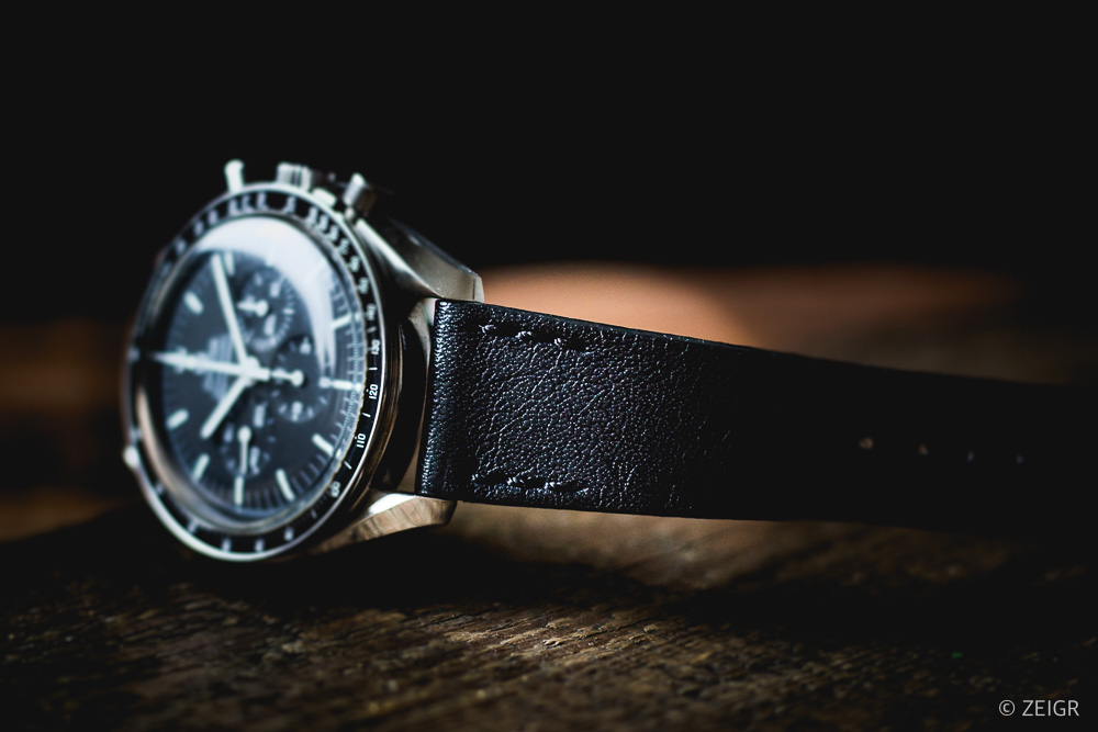 ZEIGR Strap - All Black Leder Uhrenarmband 20mm an Omega Speedmaster Moonwatch