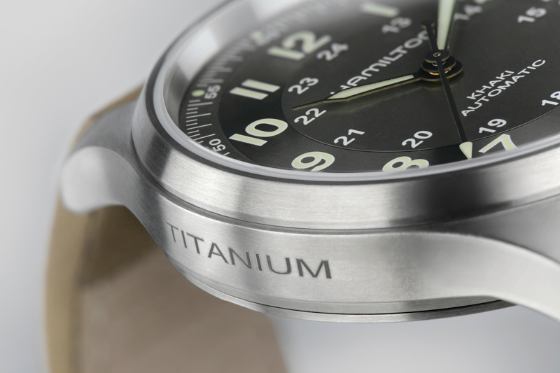 Khaki Field Titanium H70545550