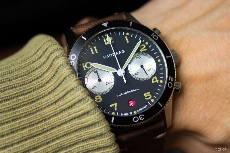 Vandaag Schallmauer Chronograph Test Wrist Shot - Thema Microbrands