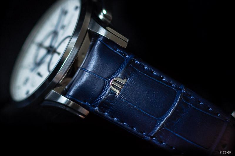 Closeup Blaues Lederband Uhr