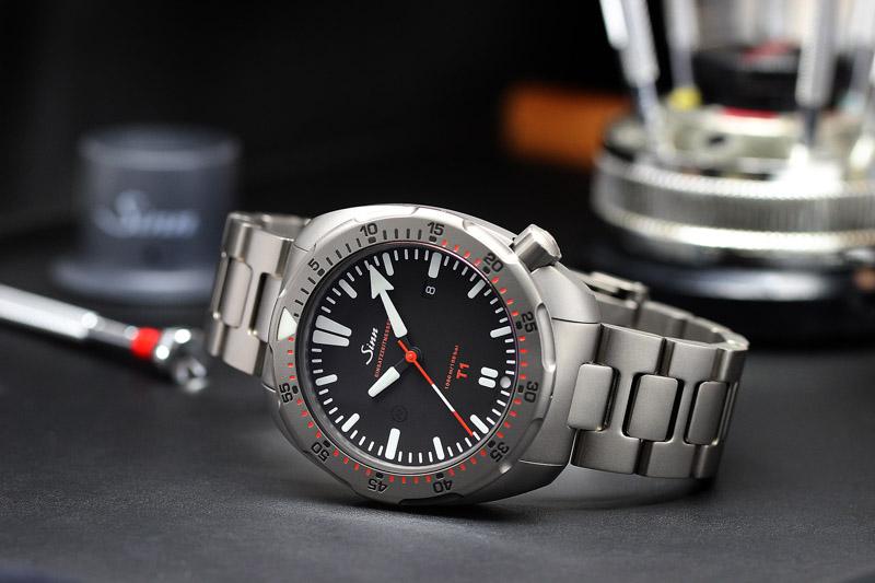 SINN T1 EZM14 Titan-Uhr