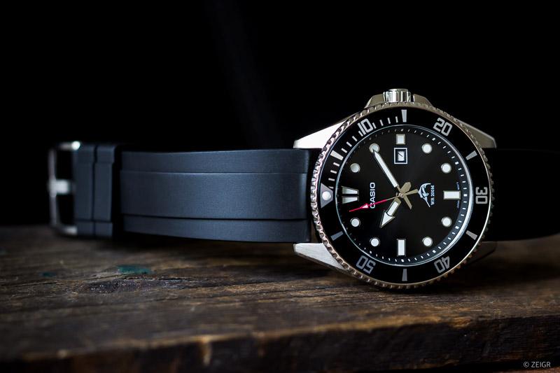 Kautschuk-Uhrenarmband CASIO Duro Marlin schwarz 22 mm